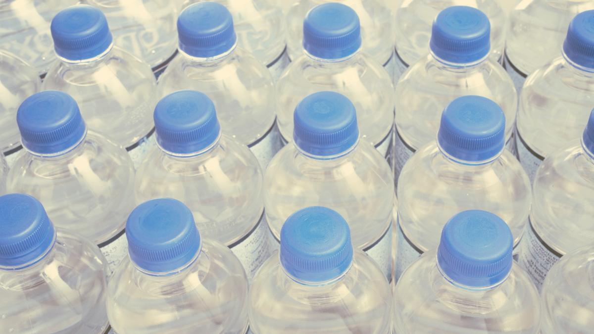 Coca-Cola zahlt 0,009 Cent für Grundwasser und verkauft es um 1,20 Euro