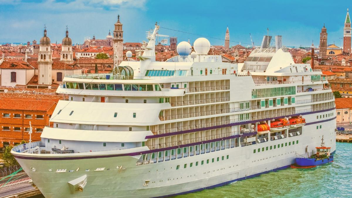 """Protest gegen Kreuzfahrt in Venedig: """"Große Schiffe raus aus der Lagune!"""""""