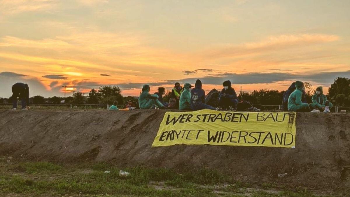 Gegen Naturzerstörung: Wie Lobau-Protest und Lieferkettengesetz zusammenhängen