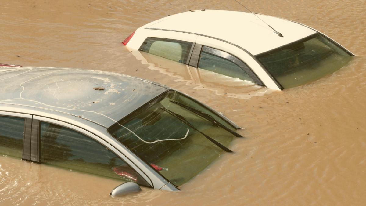 Hochwasser-Katastrophe: Talsperre droht zu brechen, bereits 43 Tote
