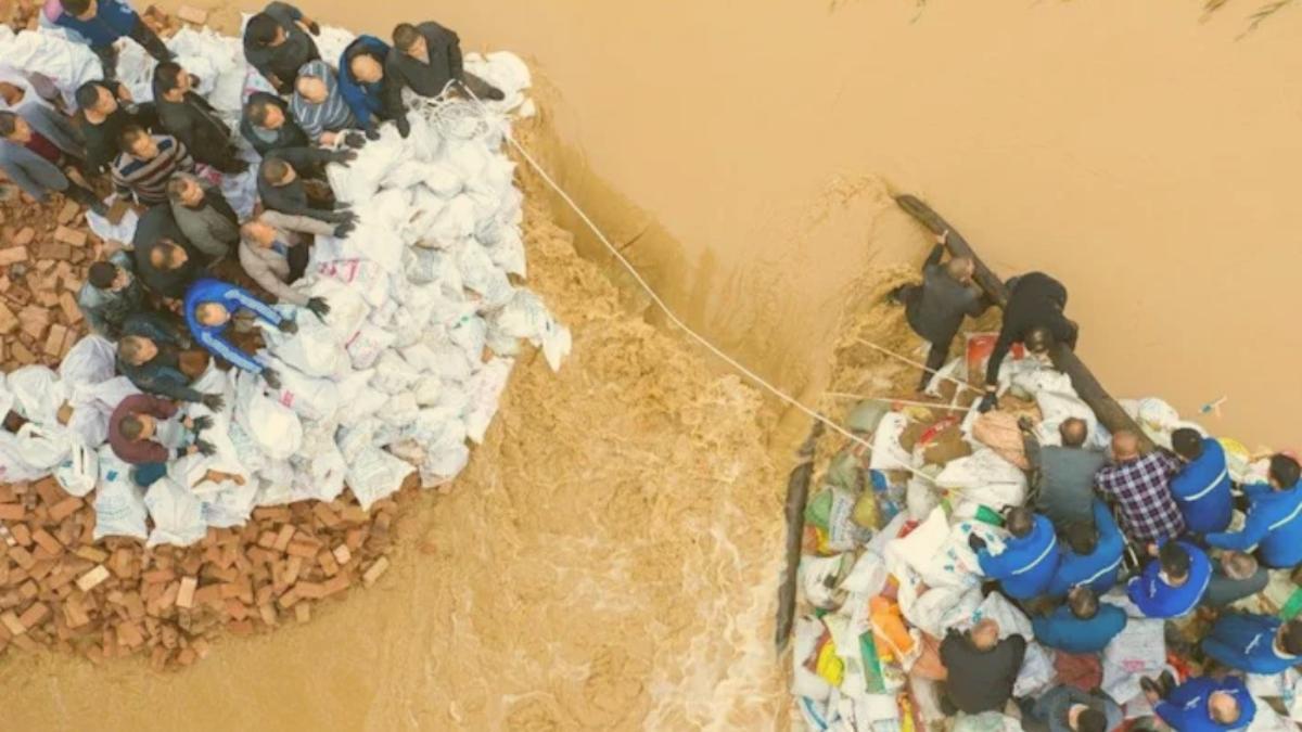 Schon 17.000 Häuser zerstört: Hunderttausende fliehen vor Überschwemmungen