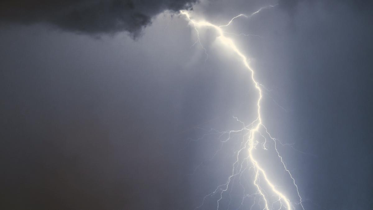 Tornado nicht ausgeschlossen: Hier wird es heute heftige Unwetter geben