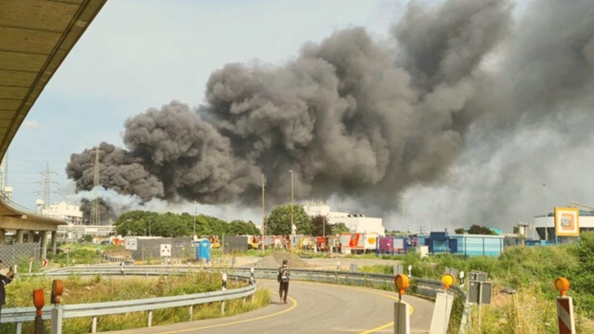 """""""Extreme Gefahr"""": Behörden warnen Bevölkerung nach Brand in Chemie-Deponie"""