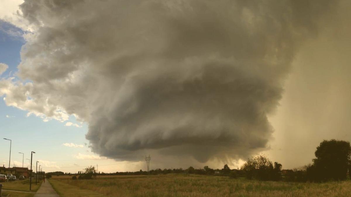 Unwetter-Katastrophe: 7 Tornados ziehen Spur der Verwüstung durch Norditalien