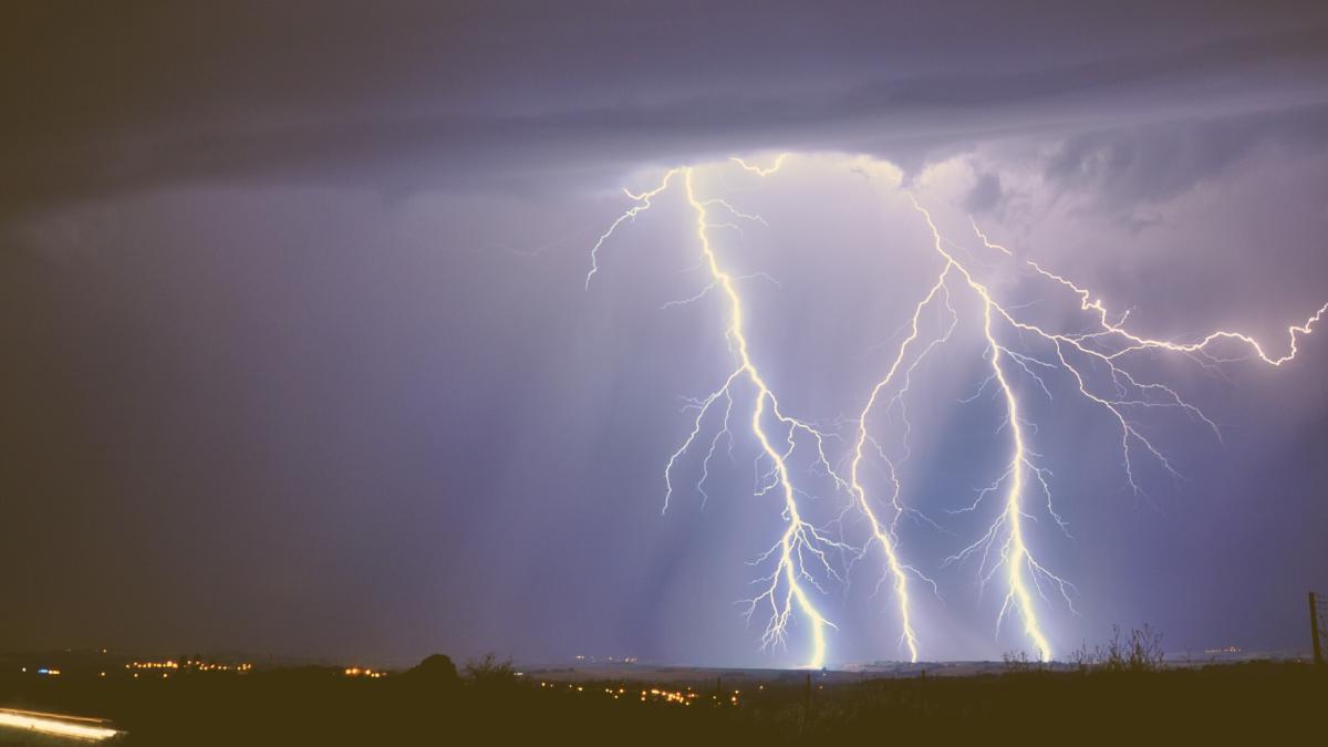 Unwetter der höchsten Gefahrenstufe: Heute Nacht kracht es hier in Österreich