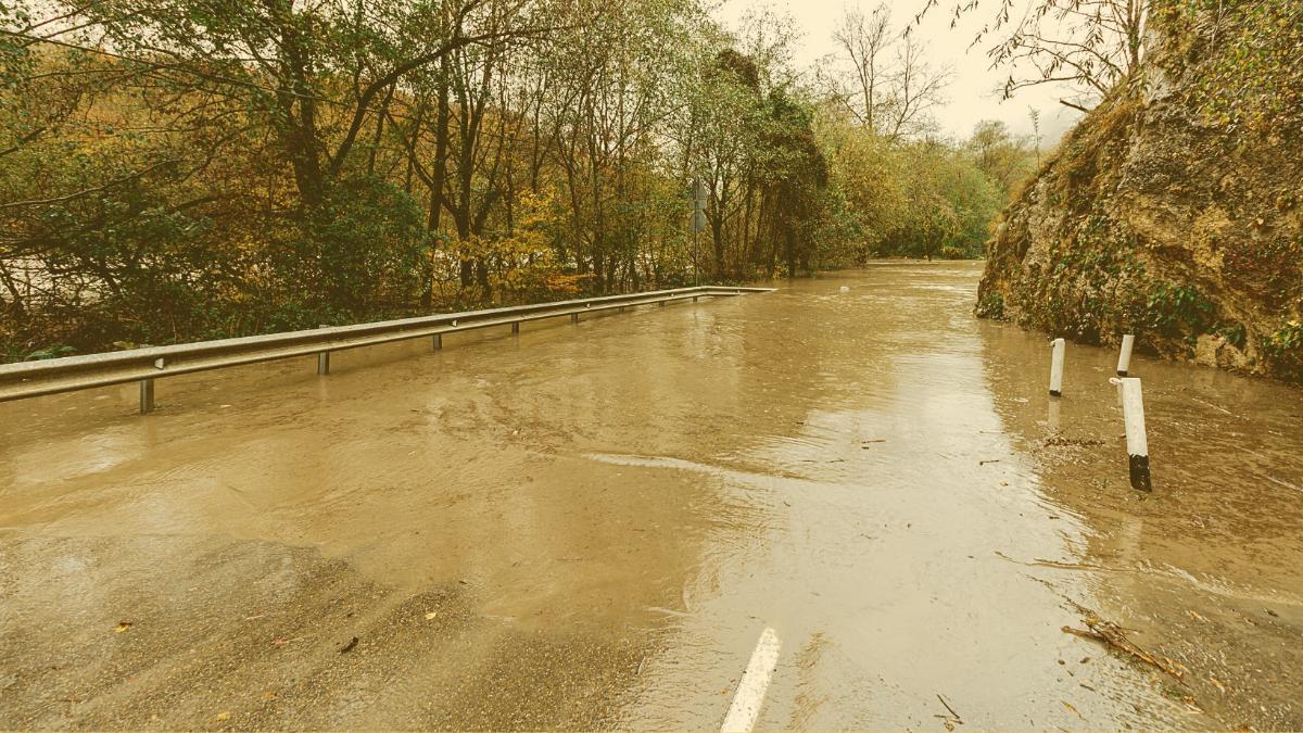 Landesregierung warnt: Hier kann es jetzt zu Überflutungen und Muren kommen